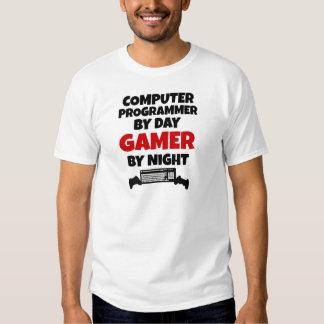 Computerprogrammierer durch TagesGamer bis zum Hemden