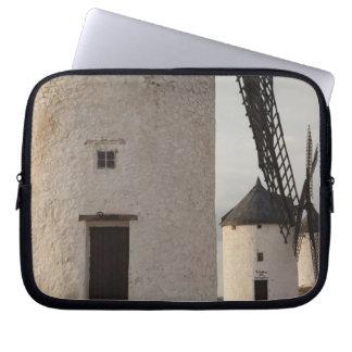 Consuegra, antike La Mancha Windmühlen 2 Laptop Sleeve