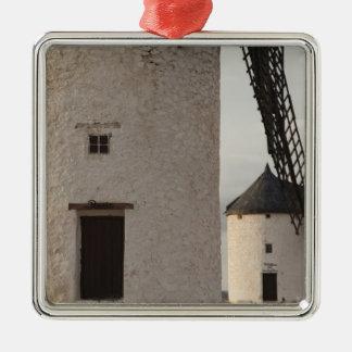 Consuegra, antike La Mancha Windmühlen 2 Quadratisches Silberfarbenes Ornament