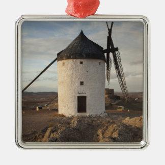 Consuegra, antike La Mancha Windmühlen 7 Quadratisches Silberfarbenes Ornament