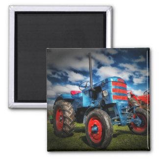 Coole blaues Rot-Antiken-Traktor-Geschenke für Bau Magnets
