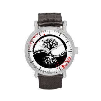 Coole Blut-Spritzer Yin Yang Handuhr