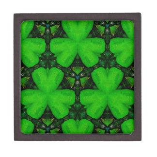 Coole moderne vibrierende grüne Kleeblätter Kiste