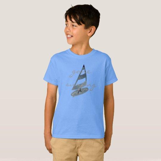 Cooler gegangener surfender T-Shirt