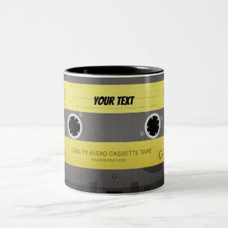 Cooler Retro Kassette Entwurf Zweifarbige Tasse