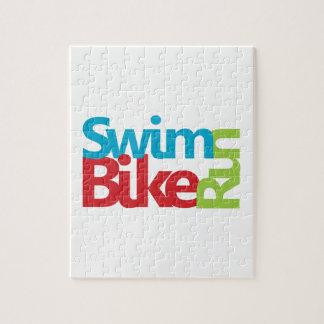 Cooler und einzigartiger Entwurf des Triathlon Puzzle