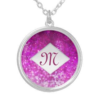Cooles Galaxiemonogramm des hellen rosa Versilberte Kette