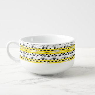 Cooles Schwarz-weißes Gelb Stripes Stammes- Muster Große Suppentasse