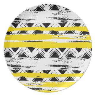 Cooles Schwarz-weißes Gelb Stripes Stammes- Muster Teller