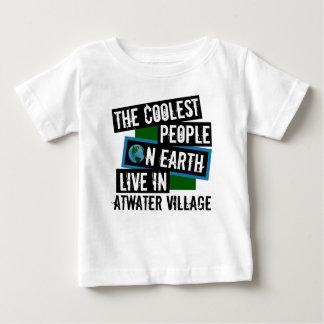 Coolste Leute auf Erde leben in Atwater Dorf Baby T-shirt