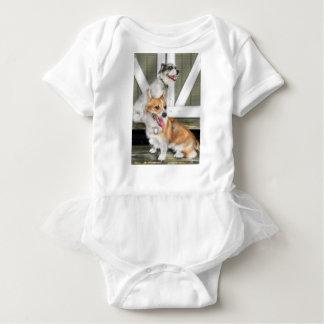 Corgi-und Jack-Russell-Hunde Baby Strampler