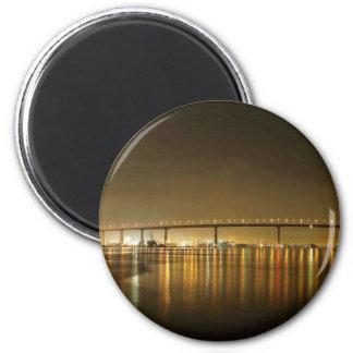 Coronado Brücke gesehen von der Fähren-Landung Runder Magnet 5,7 Cm