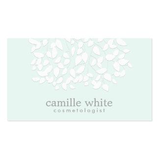 Cosmetologist-hübsches Weiß verlässt helles Visitenkarten