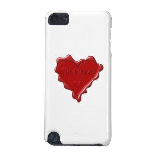 Courtney. Rotes Herzwachs-Siegel mit iPod Touch 5G Hülle