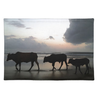 cow family india tischset