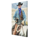 Cowboy und Hund auf Pferd Gespannte Galeriedrucke