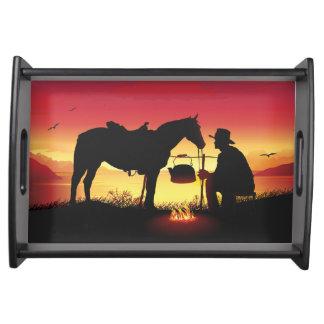 Cowboy und Pferd am Sonnenuntergang-Serviertablett Tablett