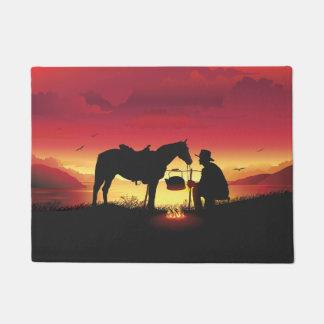 Cowboy und Pferd an der Sonnenuntergang-Fußmatte Türmatte