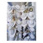 Cowboyhüte, die in einem Hutgeschäft, Texas, USA h Postkarte