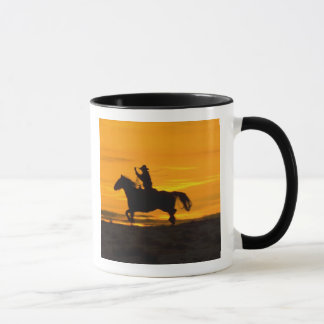 Cowboyreiten im Sonnenuntergang mit Lariat Seil 2 Tasse