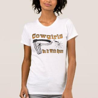 Cowgirls tun es mit Spornen T-Shirt