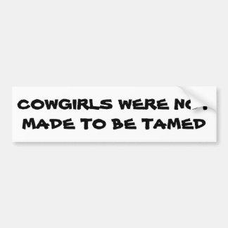 Cowgirls wurden nicht gemacht, um gezähmter autoaufkleber