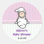 Cutietoots Baby im weißen Duschen-Bevorzugungs-Auf