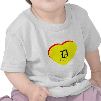 """""""D-"""" Herz-gelbe rote Hochzeits-Einladung das MUSEU T Shirts"""