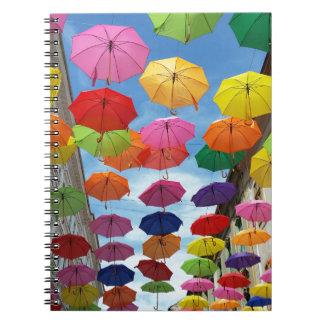 Dach der Regenschirme Spiral Notizblock