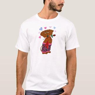 Dackel in den rosa Herz-Kurzschlüssen T-Shirt