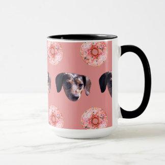 Dackeln und Schaumgummiring-Tasse im Rosa Tasse