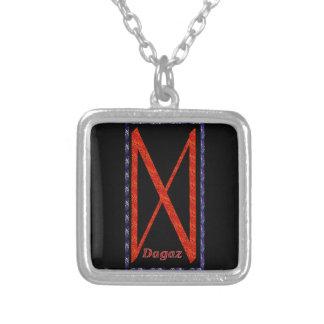 Dagaz Rune Versilberte Kette