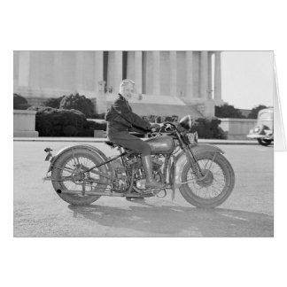 Dame Riding Motorcycle, 1937 Grußkarte