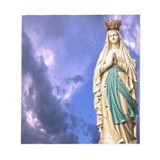 Dame von Lourdes Notizblock