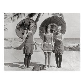 Damen am Strand, 1920 Postkarten