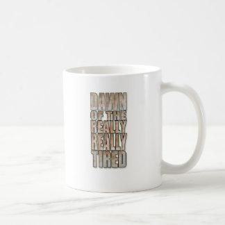 Dämmerung von wirklich, wirklich ermüdet kaffeetasse