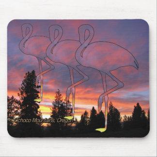Dämmerungs-Flamingo-stilisierter Sonnenuntergang Mousepad