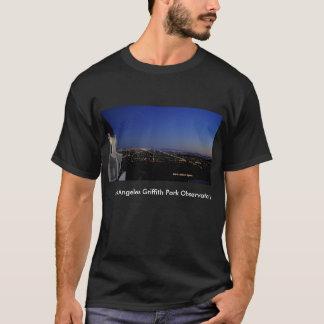 Dämmerungs-Stadt beleuchtet Observatorium T-Shirt