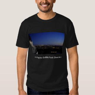Dämmerungs-Stadt beleuchtet Observatorium T-Shirts
