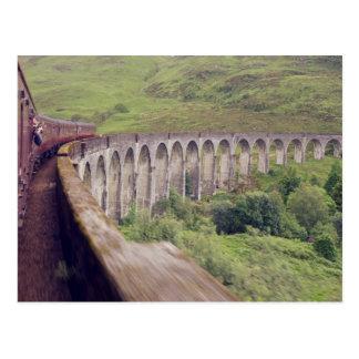 Dampf-Zug bei Glenfinnan Postkarte