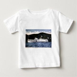 "Dampfer ""Horicon"" auf See George, New York Baby T-shirt"
