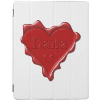 Dana. Rotes Herzwachs-Siegel mit Namensdana iPad Hülle