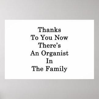 Dank Sie jetzt dort ist ein Organist im Famil Poster