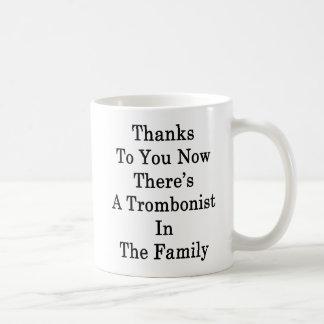 Dank Sie jetzt dort ist ein Trombonist im Fami Kaffeetasse