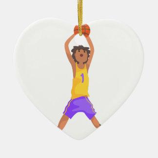 Das Basketball-Spieler-Springen und werfende Keramik Ornament
