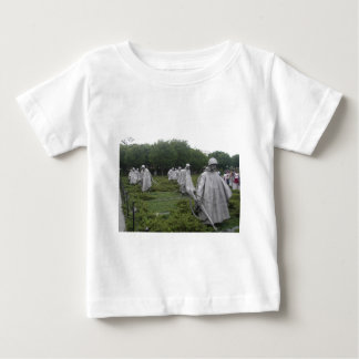 Das Denkmal des Koreakrieg-Veterans Baby T-shirt