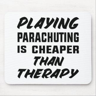 Das Fallschirmspringen zu spielen ist billiger als Mousepad