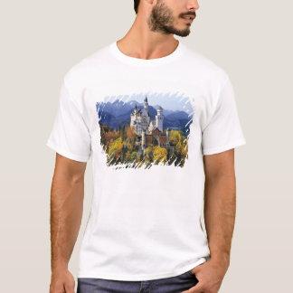 Das fantasievolle Neuschwanstein ist eins von drei T-Shirt