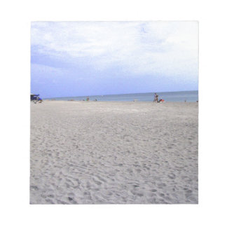 Das Gehen entlang Siesta befestigt Strand Notizblock