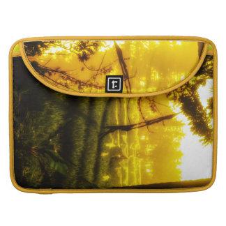 Das goldene Glühen des späten Nachmittages auf Sleeve Für MacBook Pro